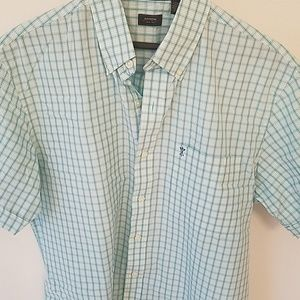 Men's Casual Short Sleeved, Buttoned-up Shirt